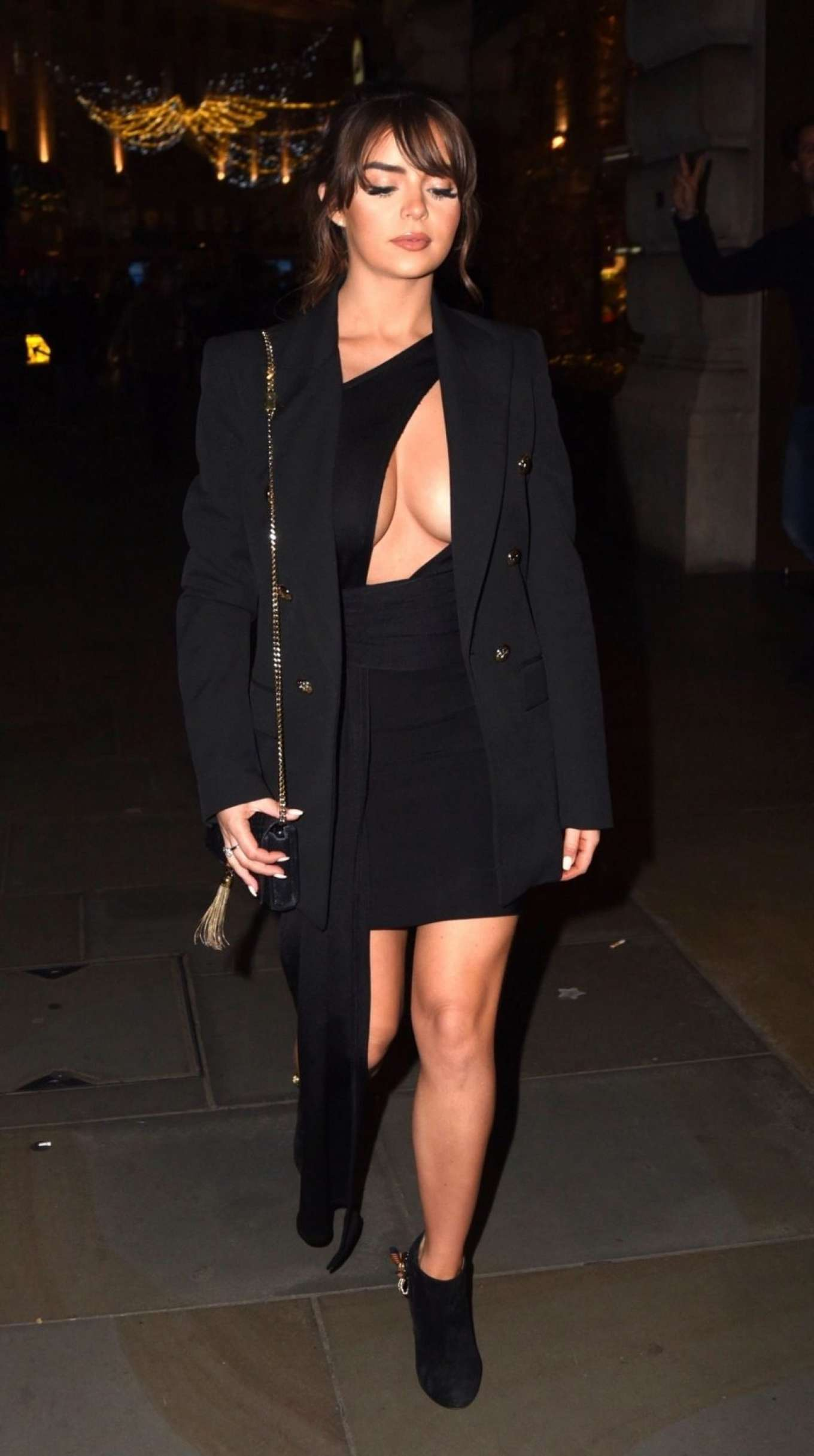 Demi Rose Mawby 2019 : Demi Rose Mawby was pictured while arriving at Cafe Royal in London-01