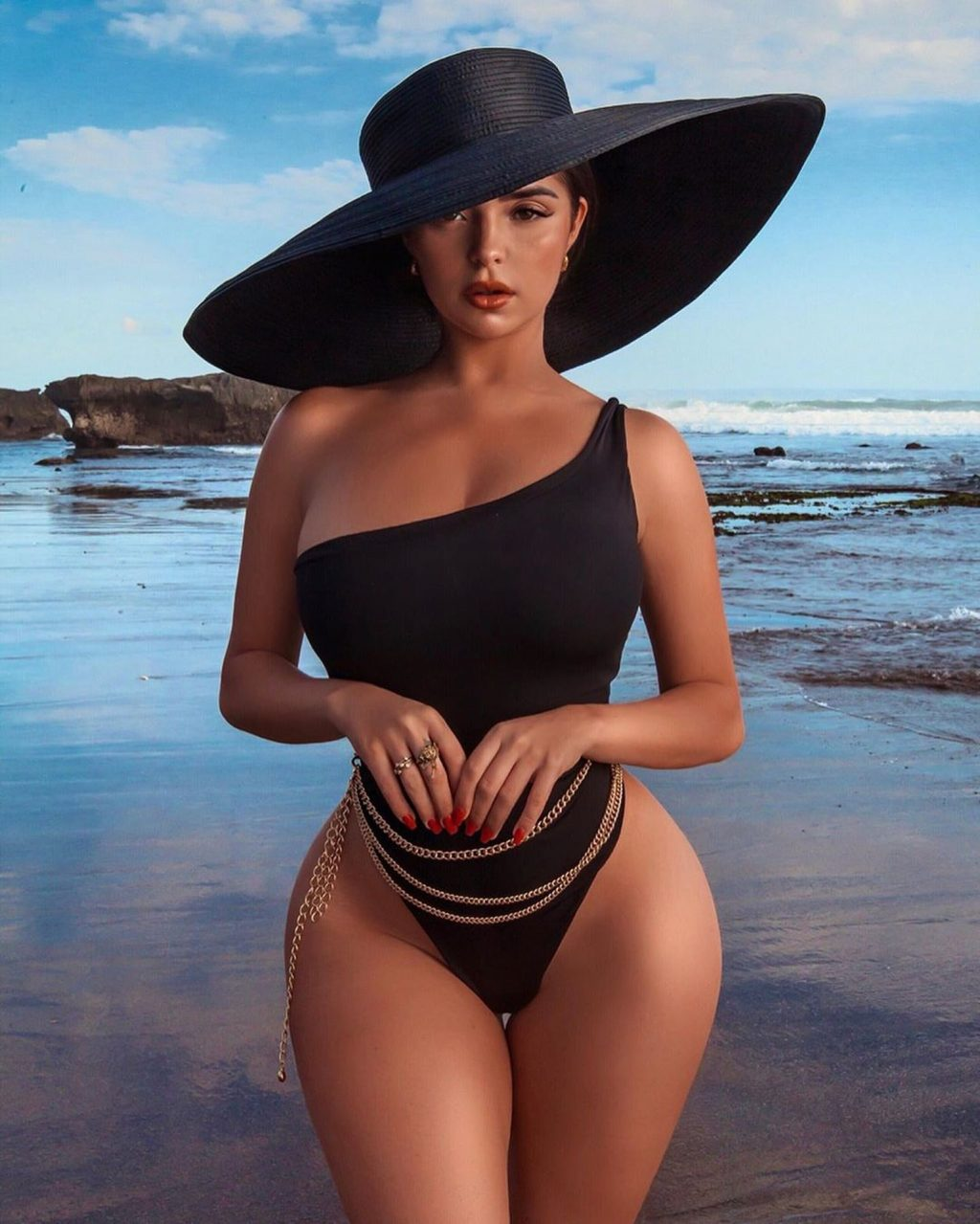 Demi Rose 2019 : Demi Rose – Spotted on the beach during a photoshoot in Bali Indonesia-17