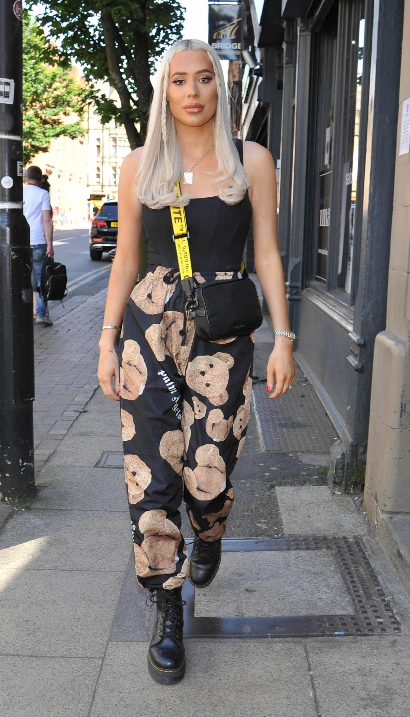 Demi Sims 2021 : Demi Sims – With Frankie out at Boujee bar an restaraunt in Manchester-01