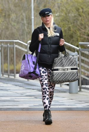 Denise Van Outen - Leaving Dancing on Ice rehearsals in Essex