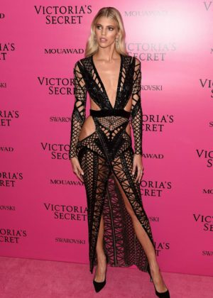 Devon Windsor - 2017 Victoria's Secret Fashion Show After Party in Shanghai