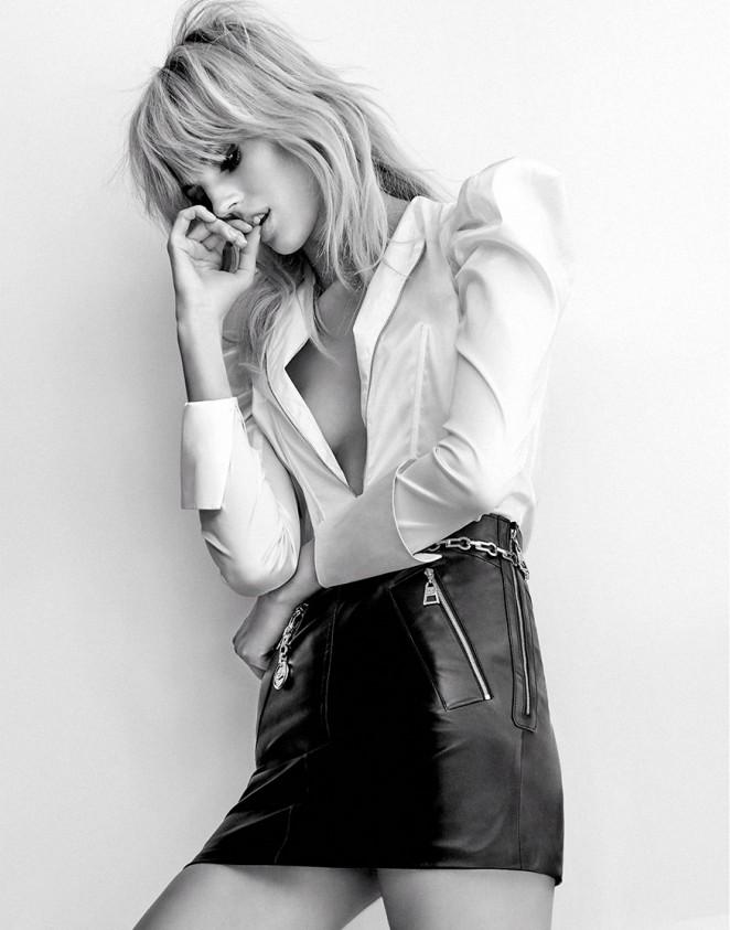 Devon Windsor - Vogue Thailand Magazine (August 2015)