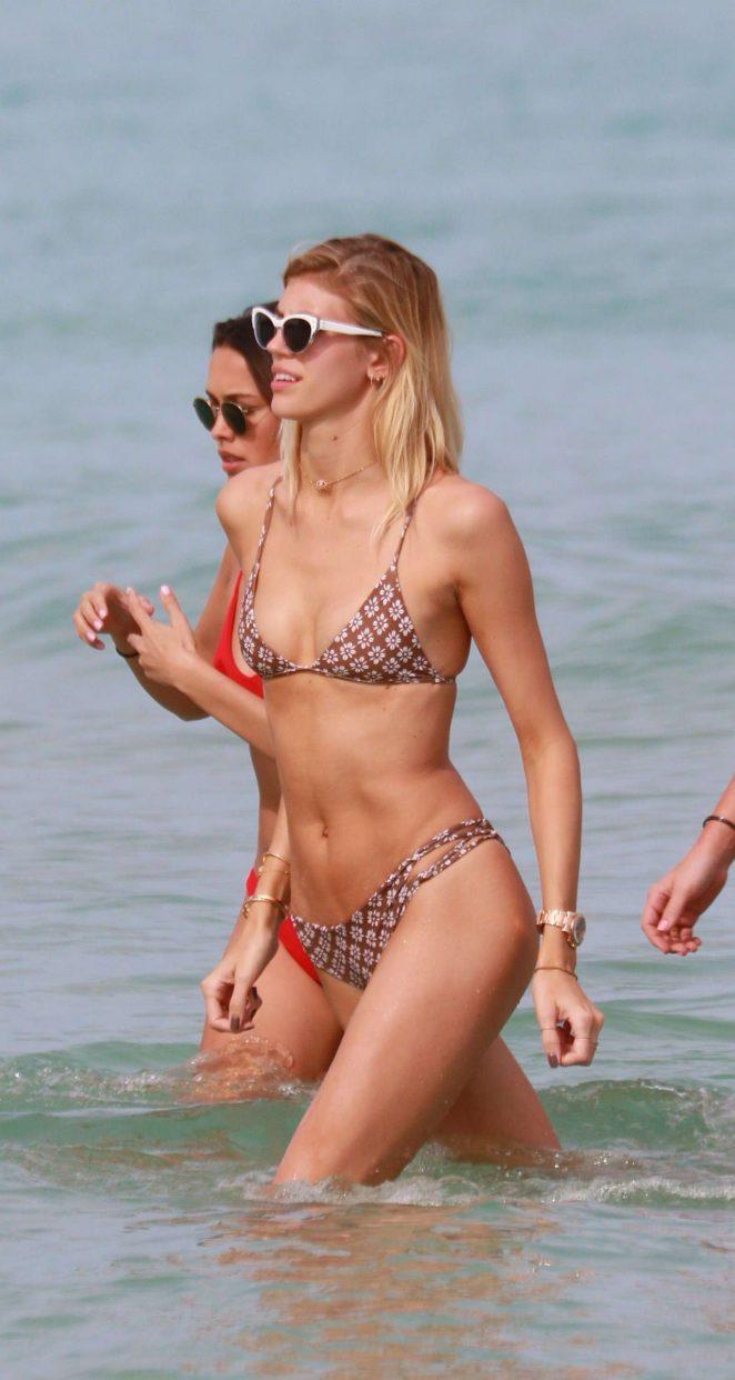 Devon Windsor in Bikini -18
