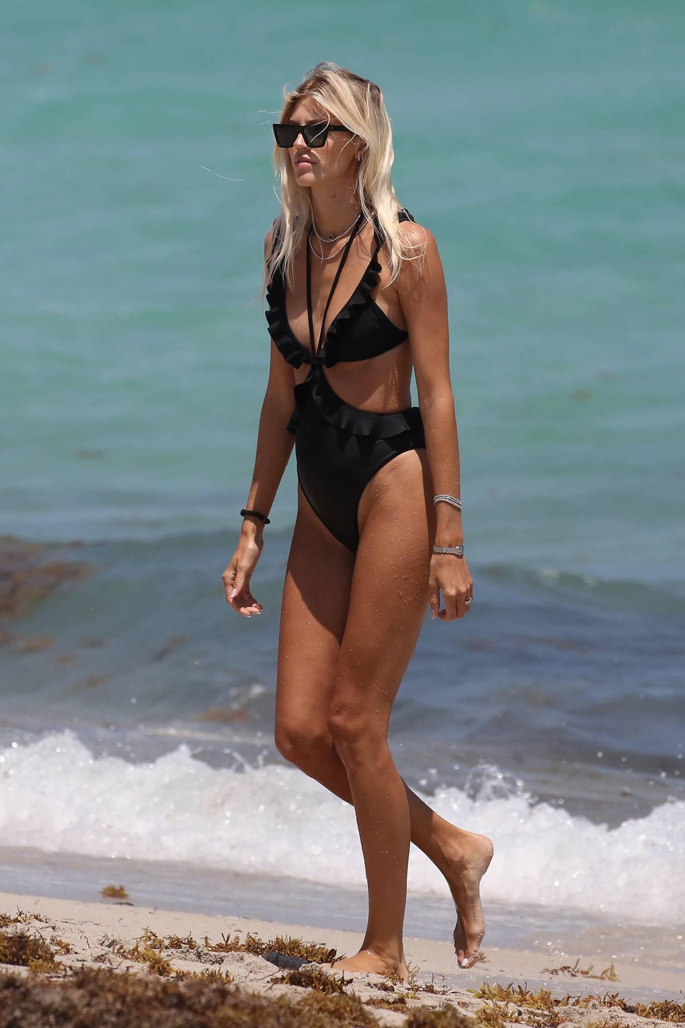 Devon Windsor 2021 : Devon Windsor – In black swimsuit hits the beach in Miami-11