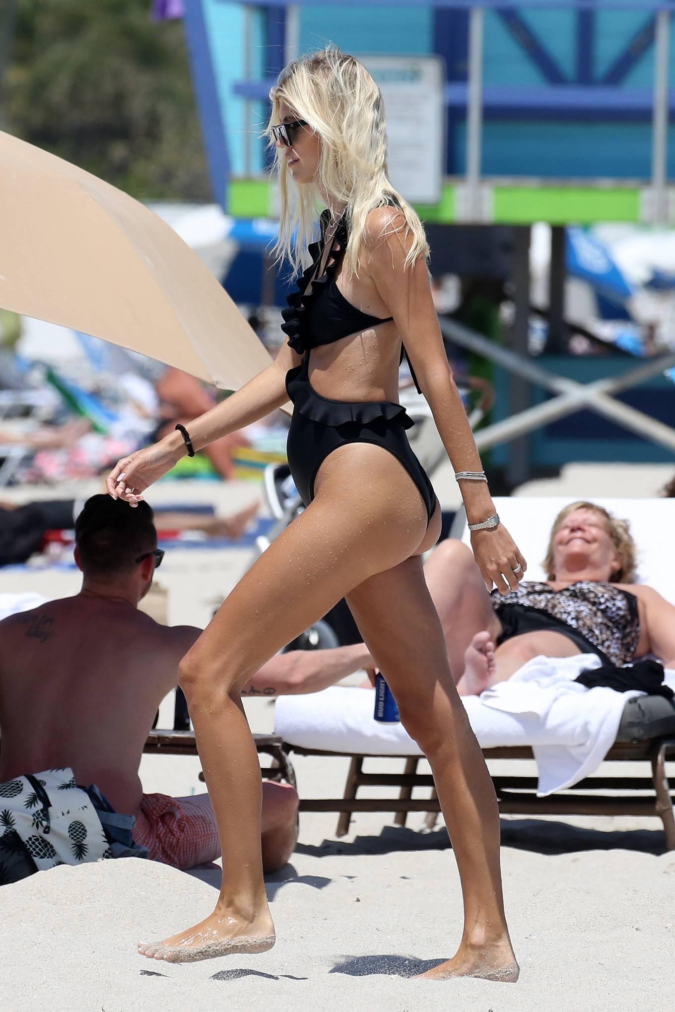Devon Windsor 2021 : Devon Windsor – In black swimsuit hits the beach in Miami-20
