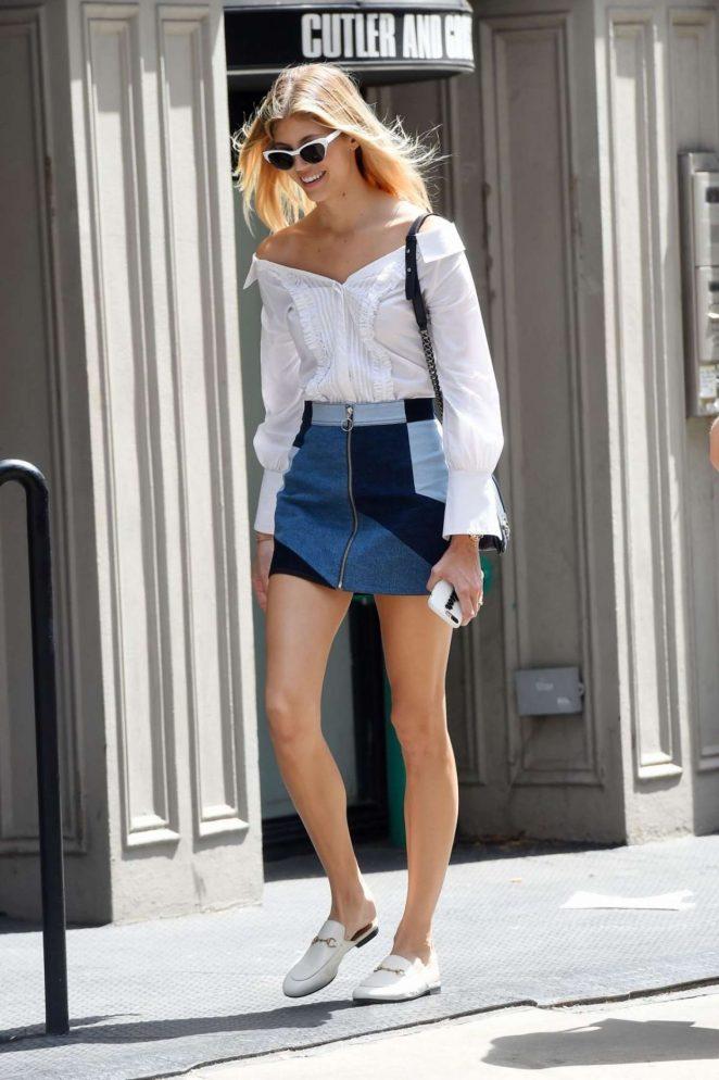 Devon Windsor in Mini Skirt -05