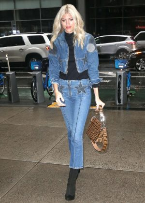 Devon Windsor - Out and about in New York City