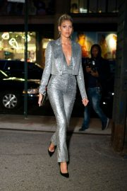 Devon Windsor - Outside Whitney Museum Of American Art Gala+Studio Party in NYC