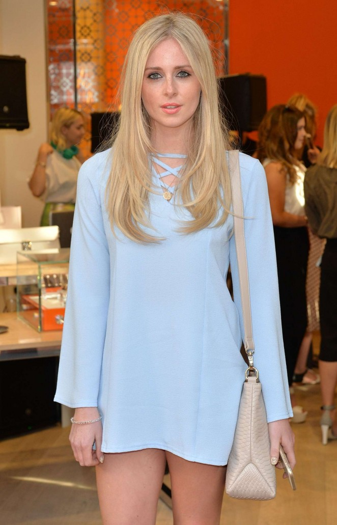Diana Vickers – New Folli Follie Flagship Store on Oxford St Launch in London