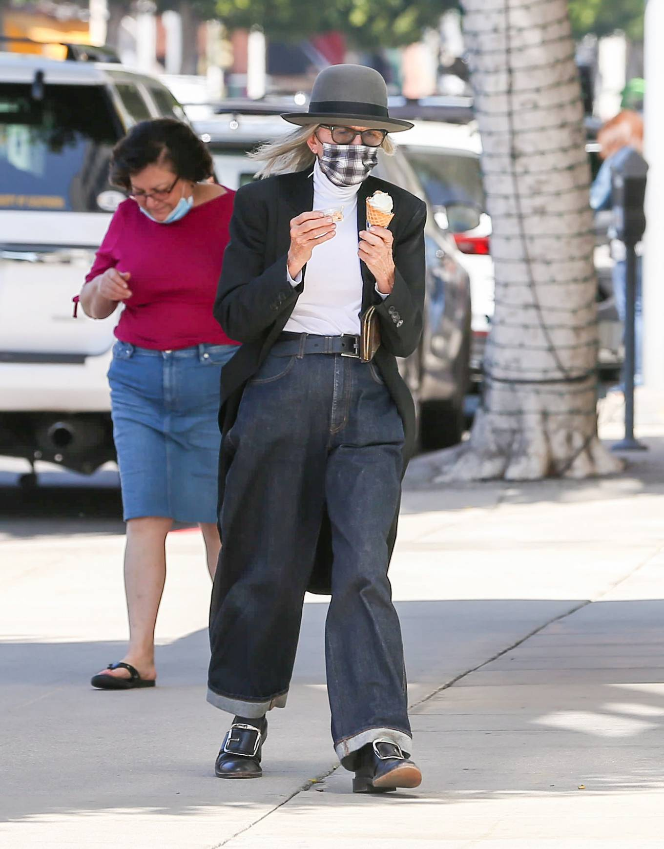 Diane Keaton - Seen while wearing a mask in Los Angeles