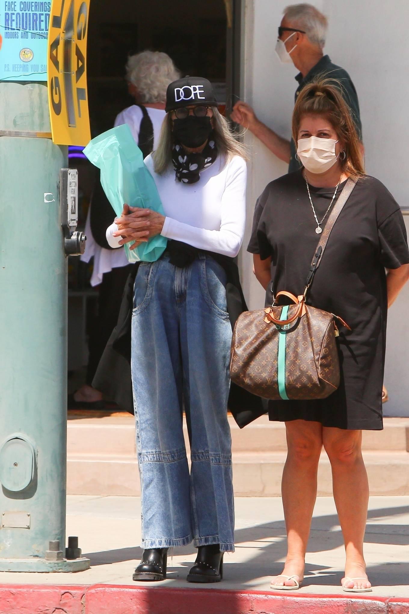 Diane Keaton - Shopping candids in Palm Springs