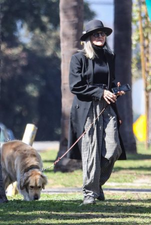 Diane Keaton - Taking her dog out for a walk in Santa Monica