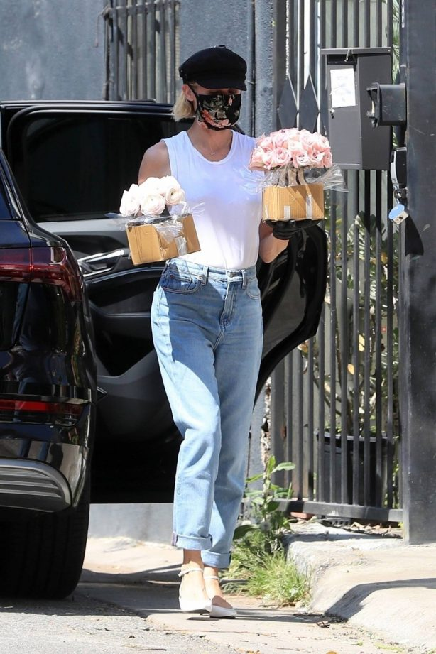 Diane Kruger and Norman Reedus - Shop some flowers in West Hollywood