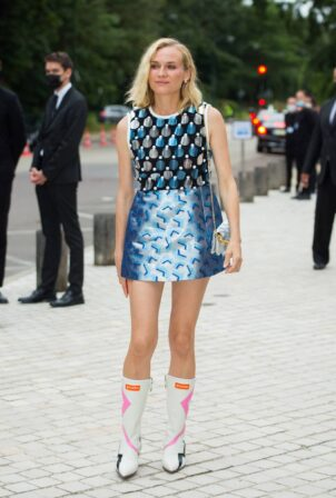 Diane Kruger - arrives to Louis Vuitton Fragance Dinner in Paris