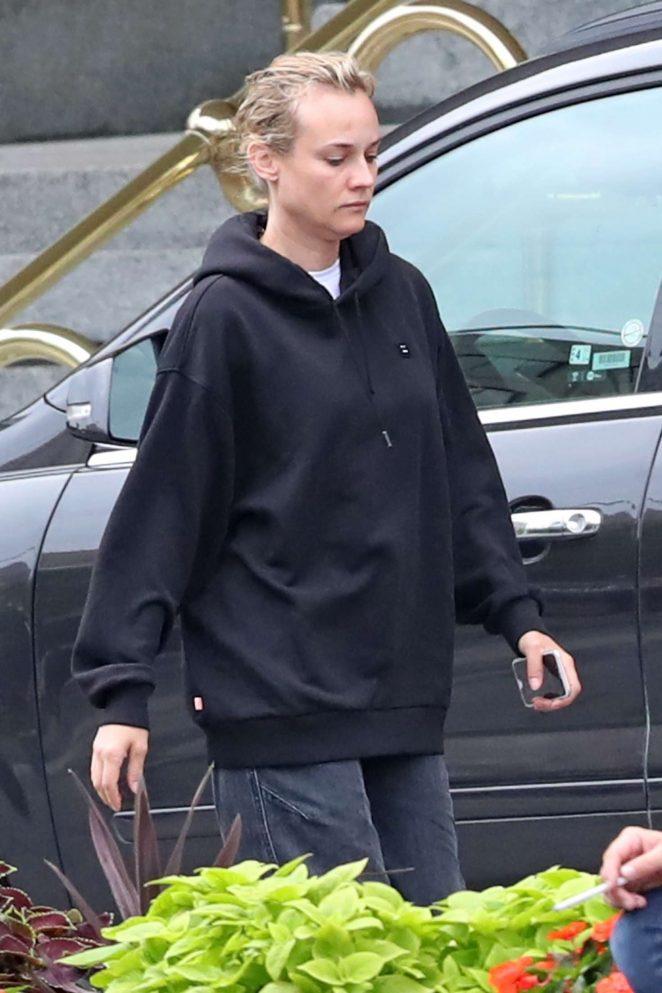 Diane Kruger heads to Starbucks in Winnipeg