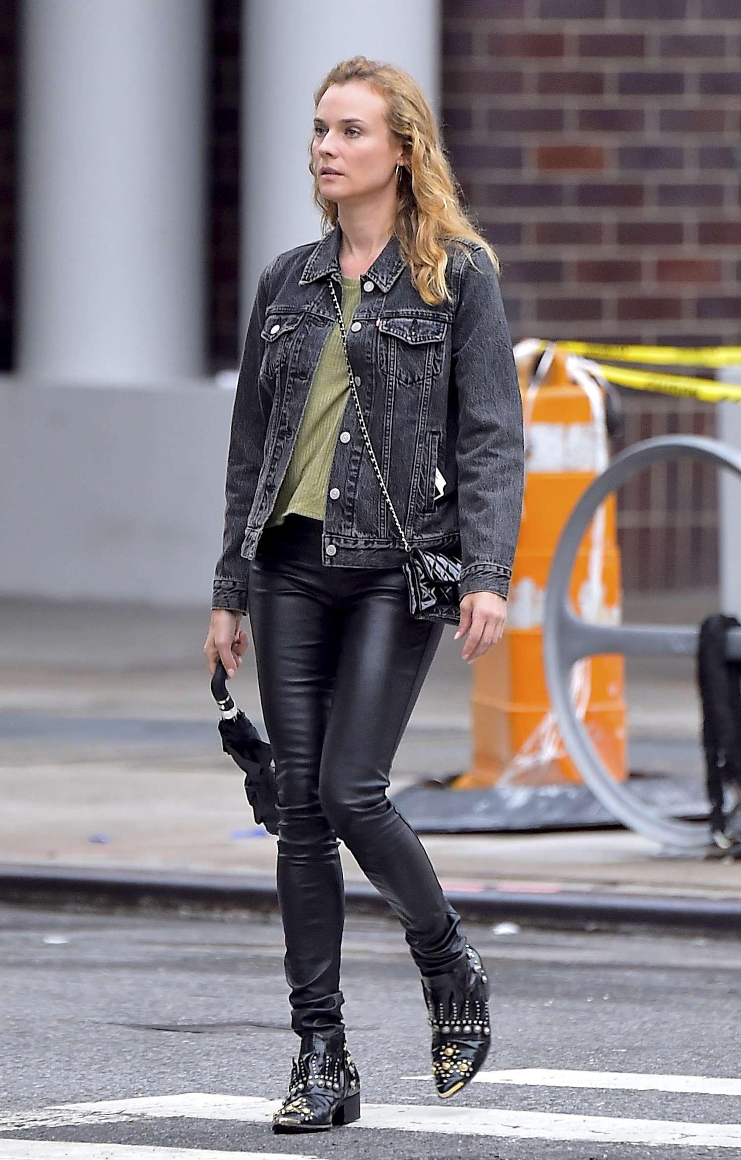 Diane Kruger 2016 : Diane Kruger in black leather pants -05