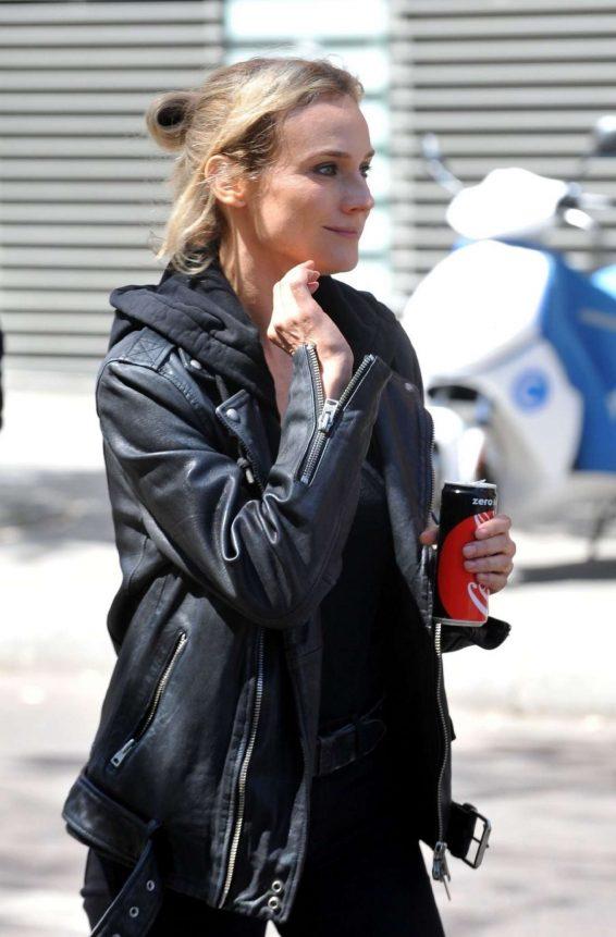Diane Kruger 2019 : Diane Kruger – On set of 355 in Paris-05