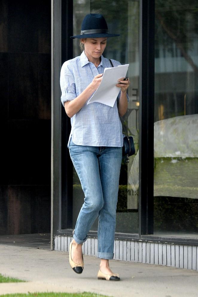 Diane Kruger in Tight Jeans -03