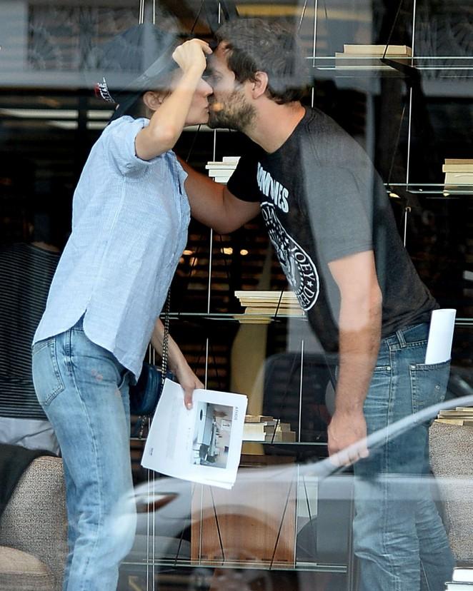 Diane Kruger in Tight Jeans -04