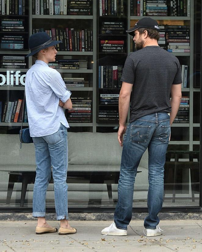Diane Kruger in Tight Jeans -07