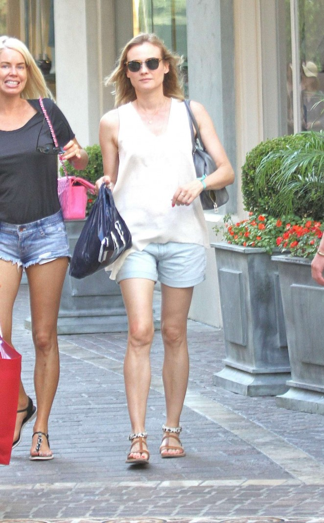 Diane Kruger – Shopping in Hollywood