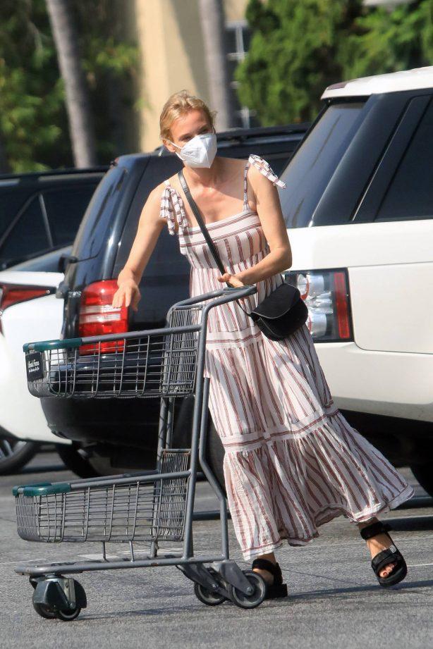 Diane Kruger - Shopping in Los Angeles
