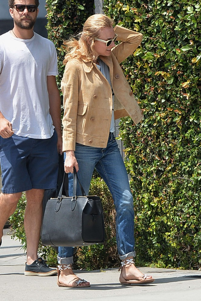 Diane Kruger in Ripped Jeans Shopping in LA