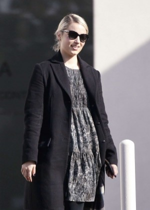 Dianna Agron - Visiting the Kohn Gallery in Los Angeles