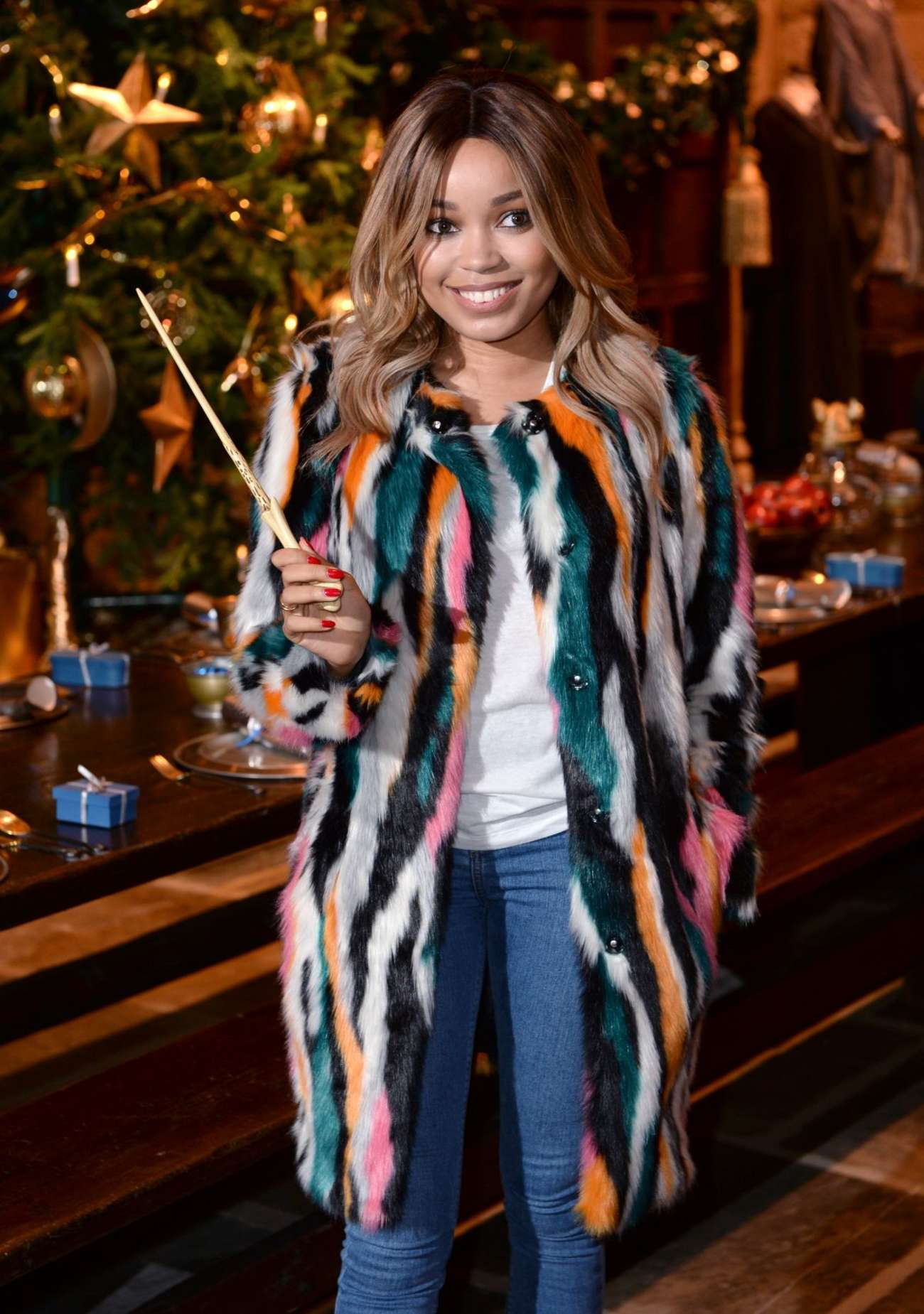 Dionne Bromfield 2015 : Dionne Bromfield: Hogwarts in The Snow Launch -01