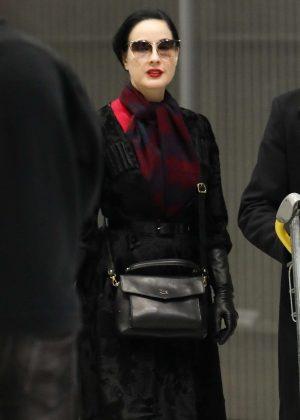 Dita Von Teese - Arrives at Charles de Gaulle Airport in Paris
