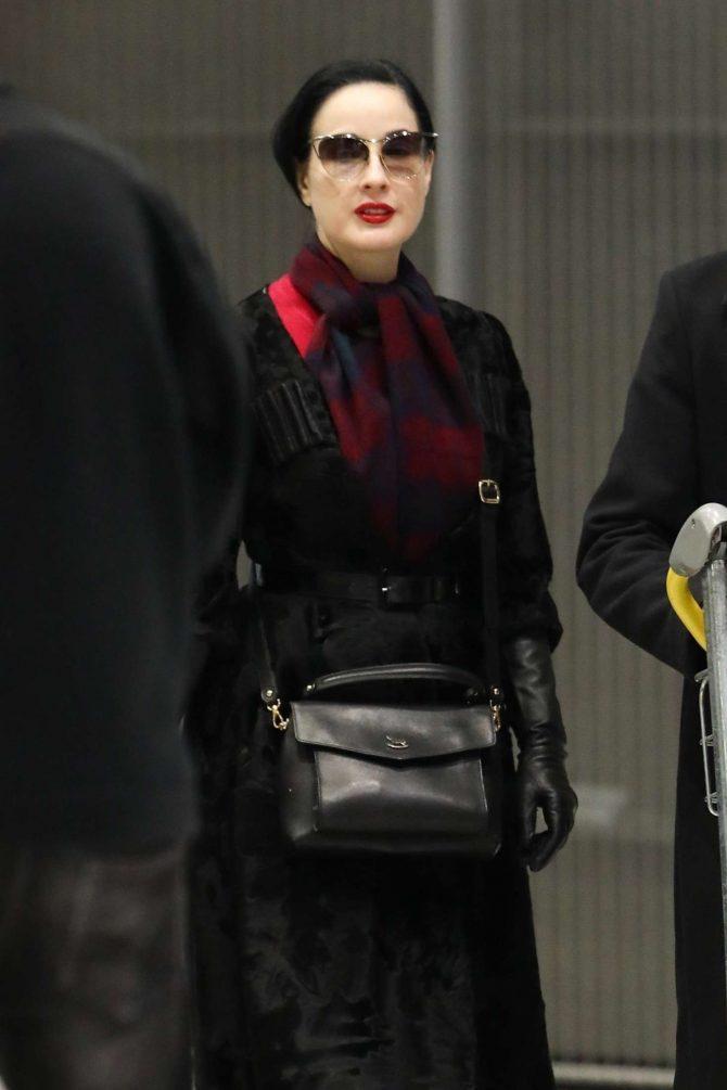 Dita Von Teese – Arrives at Charles de Gaulle Airport in Paris