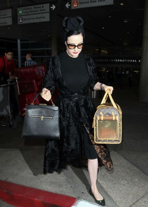Dita Von Teese - Arrives at LAX Airport in Los Angeles
