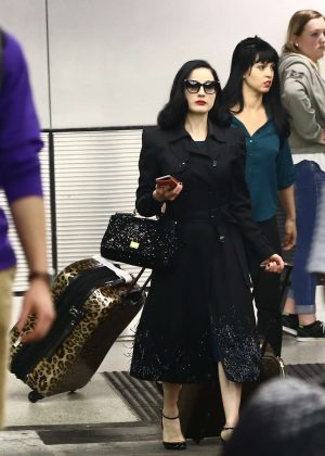 Dita Von Teese - Arrives at the airport in Miami