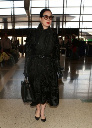 96aa62f95a29 Dita Von Teese at Los Angeles International Airport -18 – GotCeleb