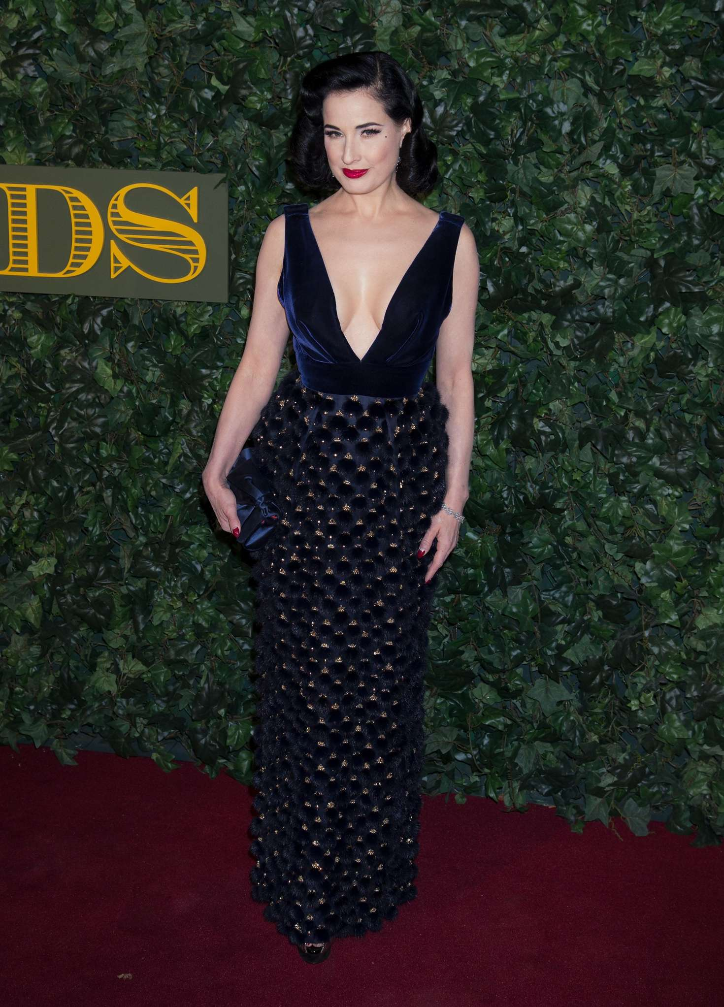 Dita Von Teese 2016 : Dita Von Teese: Evening Standard Theatre Awards 2016 -06
