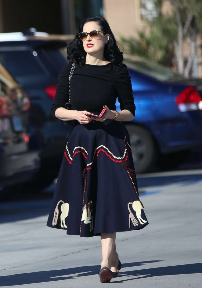 a24b457999a2 Dita Von Teese in Tight Leggings -16 – GotCeleb