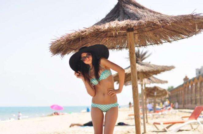 Doina Ciobanu hot in bikini-06