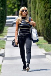 Donna D'errico - Heading to a Farmer's Market in Calabasas