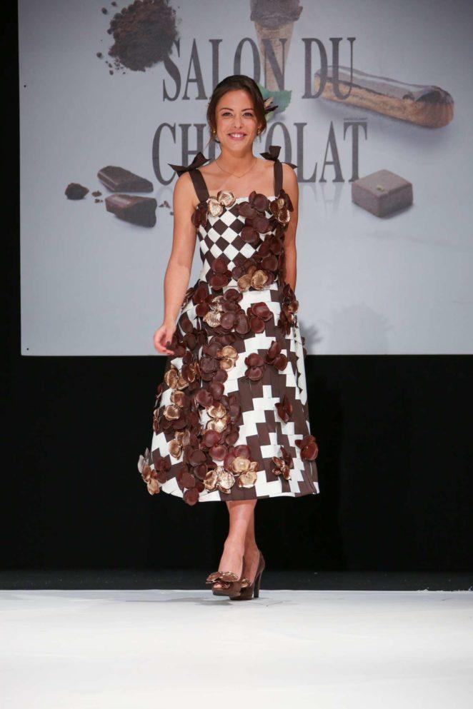 Dounia coesens salon du chocolat paris 2017 03 gotceleb for Salon du modelisme 2017 paris