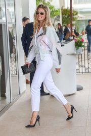 Doutzen Kroes - Arrives at the Martinez Hotel in Cannes