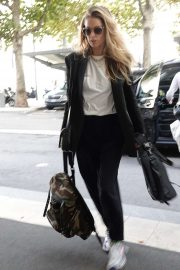Doutzen Kroes - Arriving at the Armani Hotel at Milan Fashion Week