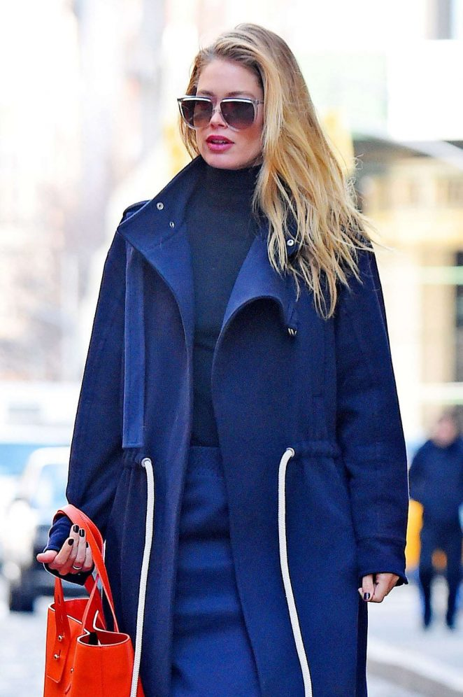 Doutzen Kroes - Heads out in NYC