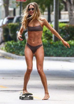 Doutzen Kroes in Bikini - Photoshoot on the streets in Miami