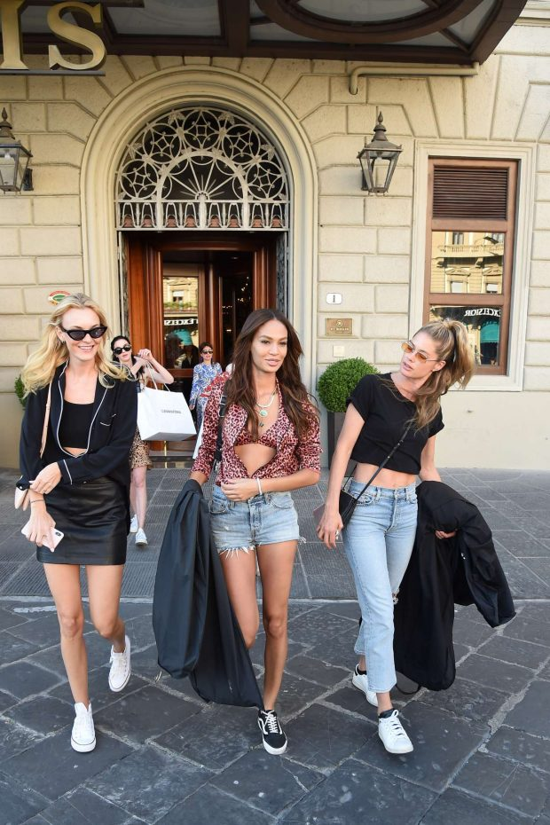 Doutzen Kroes Joan Smalls Natasha Poly and Maria Carla Boscono: Out in Florence-17