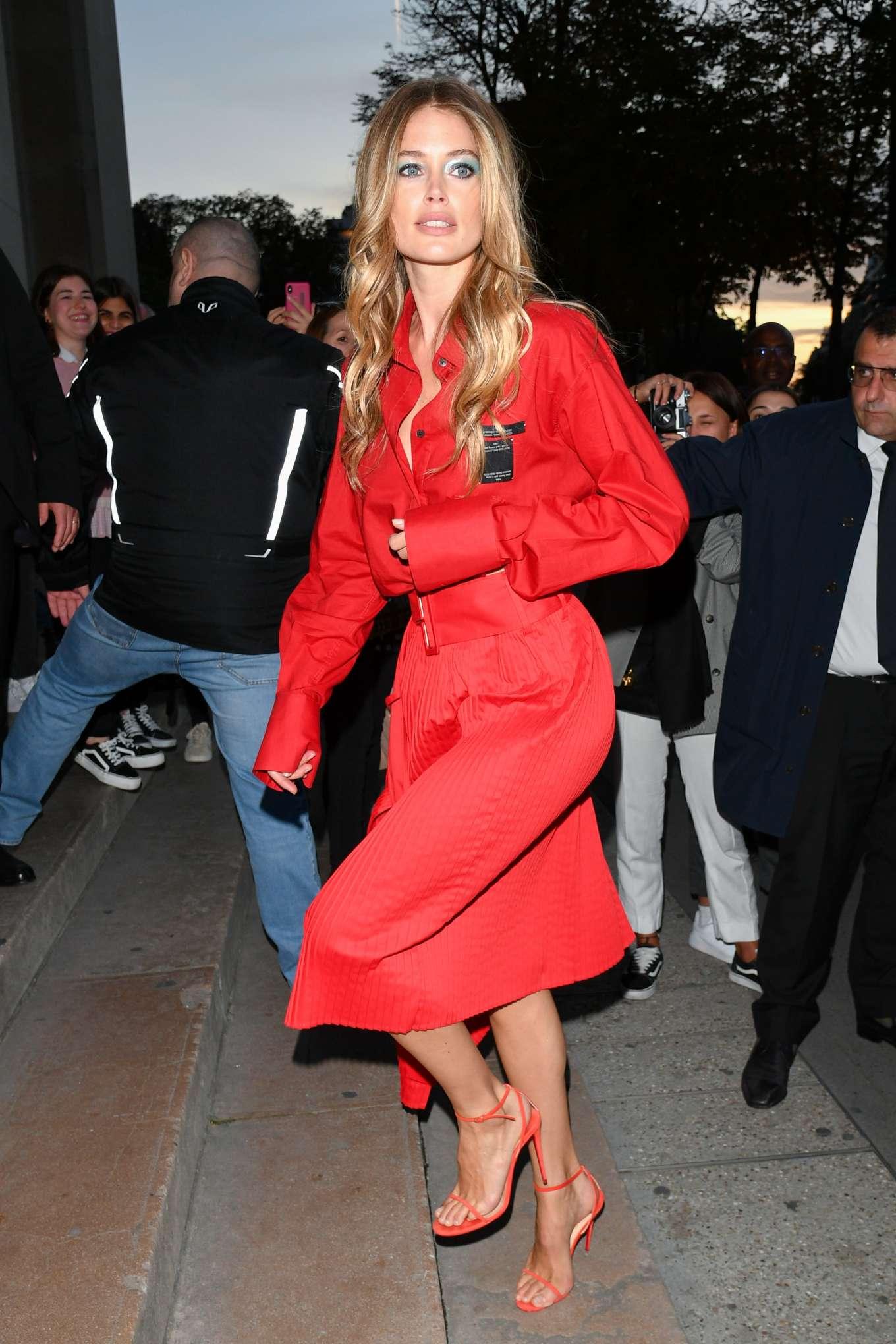 Doutzen Kroes 2019 : Doutzen Kroes – LOreal Paris Fashion Show SS 2020 at Paris Fashion Week-02