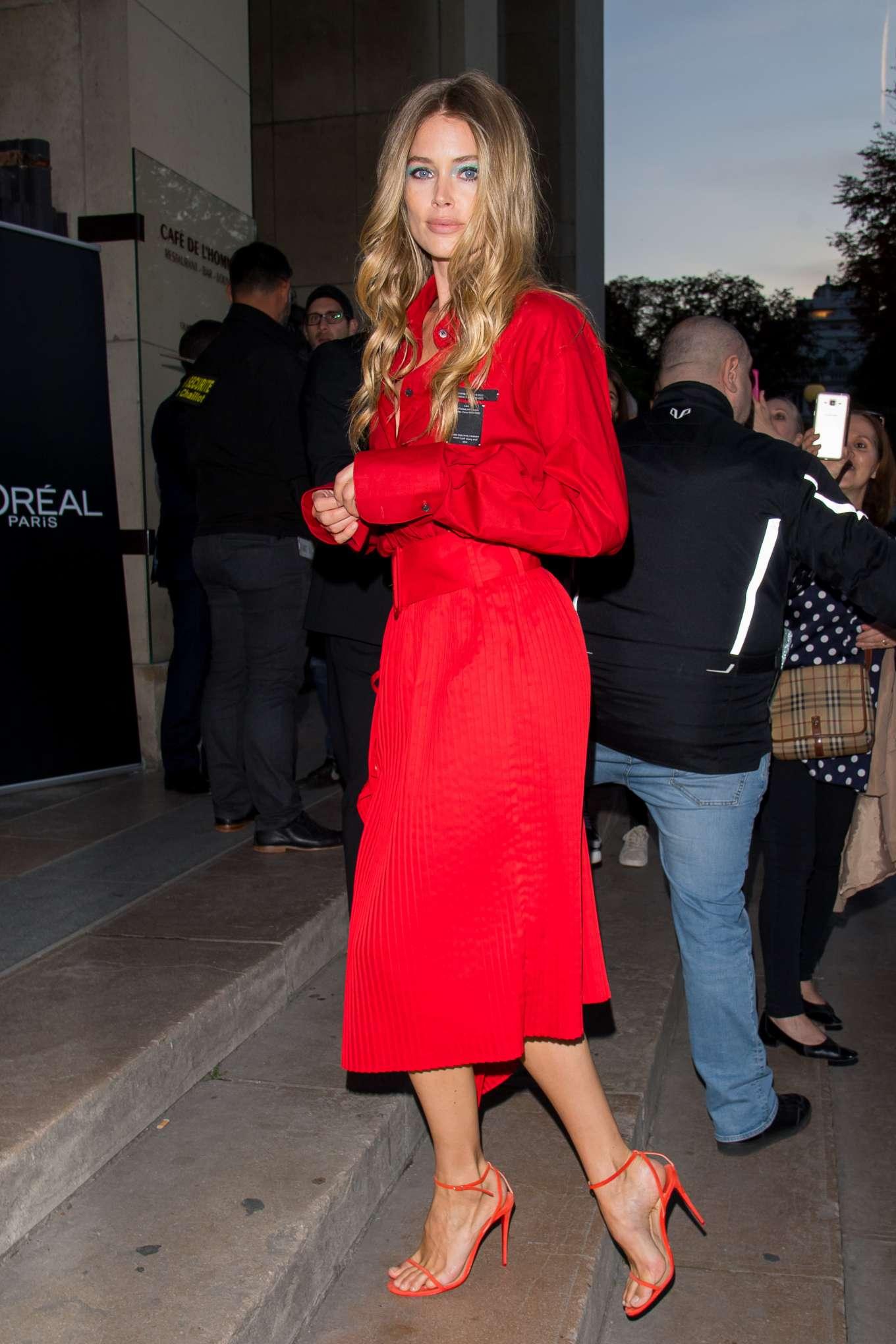 Doutzen Kroes 2019 : Doutzen Kroes – LOreal Paris Fashion Show SS 2020 at Paris Fashion Week-12