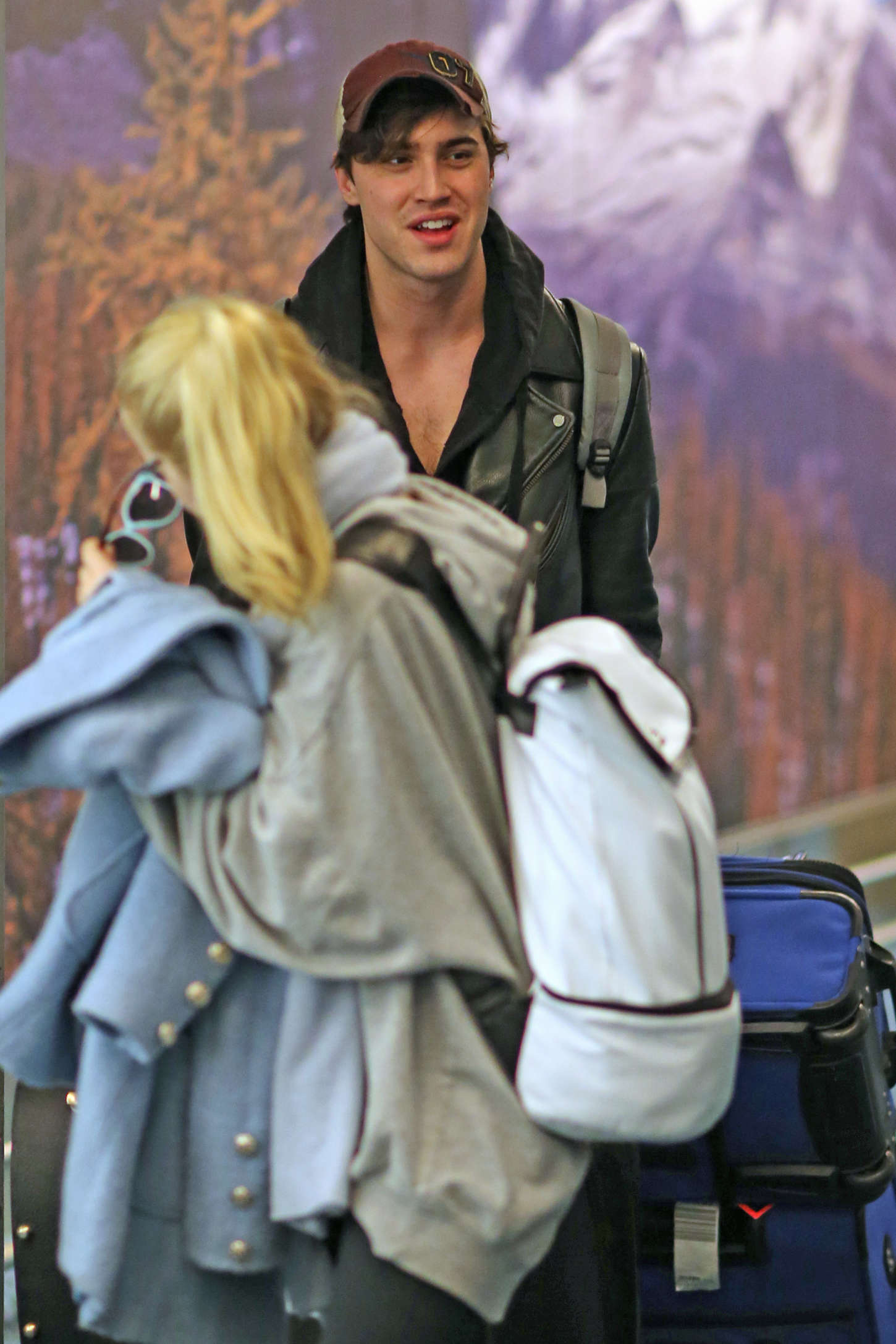 Dove Cameron 2015 : Dove Cameron – Airport in Vancouver -07