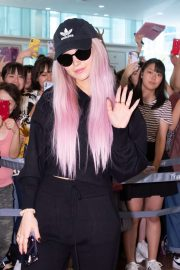 Dove Cameron - Arrives in Japan