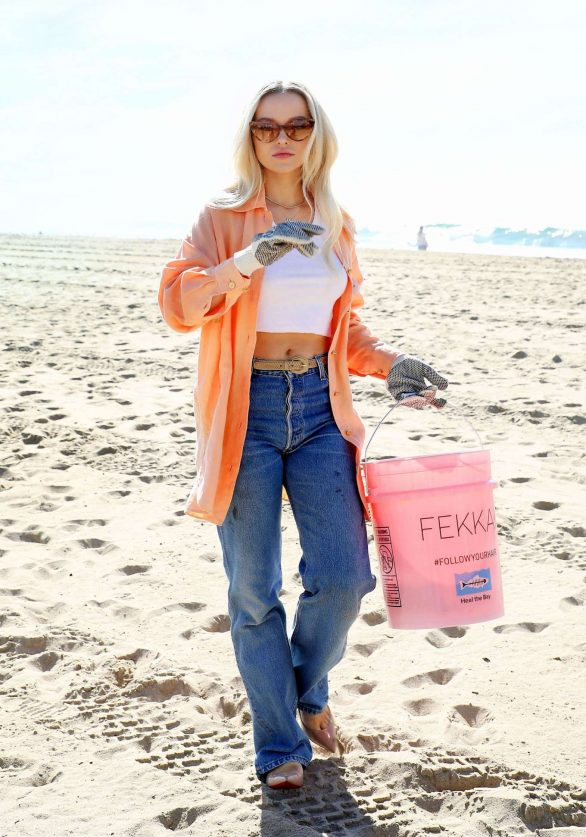 Dove Cameron - 'FEKKAI' Turns the Tide Beach Salon and Cleanup in Santa Monica