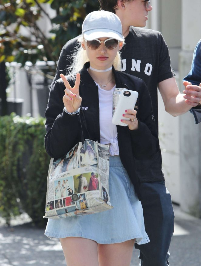 Dove Cameron - Out for Breakfast in Vancouver